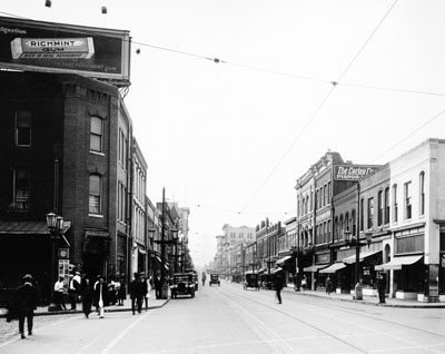 """Durham, NC, c.1912, Main Street, looking west."" From Carolina Power and Light (CP&L) Photograph Collection (Ph.C.68), North Carolina State Archives; call #: PhC68_1_25."