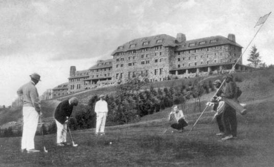 Postcard showing golfers at the Grove Park Inn, ca. 1915. North Carolina Collection, University of North Carolina at Chapel Hill Library.